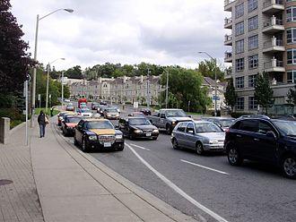 York Mills - Traffic in York Mills, east of Yonge.