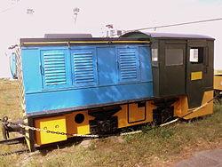 tren decauville carguero usado en la explotacion de ypf tambien en el transporte de pasajeros este ramal pequeno de trenes fue subsidiario de este