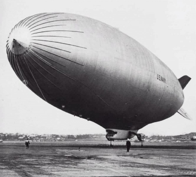 File:ZPG-3W blimp US Navy 1960.jpg