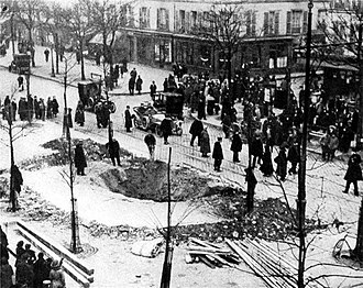 German strategic bombing during World War I - Crater of a Zeppelin bomb in Paris