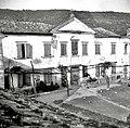 """""""Kortina"""" (dvorec) advokata Šardoša iz Kopra, danes spremenjen v kmečko stanovanjsko poslopje- vzhodni del 1949 (2).jpg"""