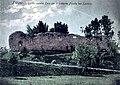 Поштівка з руїнами стіни Високого замку у Львові.jpg