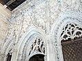 057 Generalitat, galeria gòtica, façana de la capella de Sant Jordi.JPG