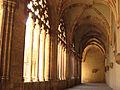088 Catedral, galeria del claustre.jpg