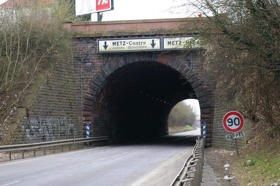 Alter Tunnel von Vallières-Borny der Eisenbahnstrecke Metz Anzelingen