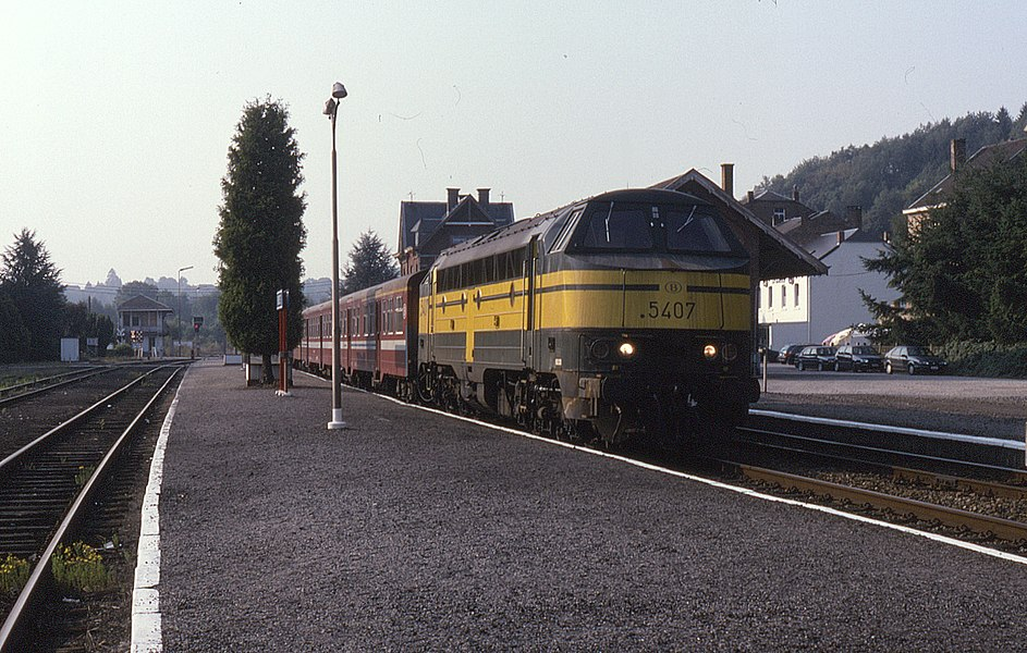 5407 at Houyet on 19 August 1995 having worked Tourist Train T8995, 08:25 Namur to  Houyet.
