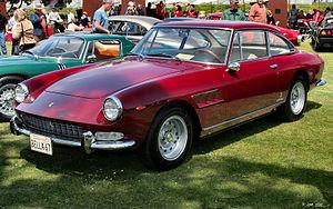 Ferrari 330 - Image: 1967 Ferrari 330 GT 2+2 red fvl
