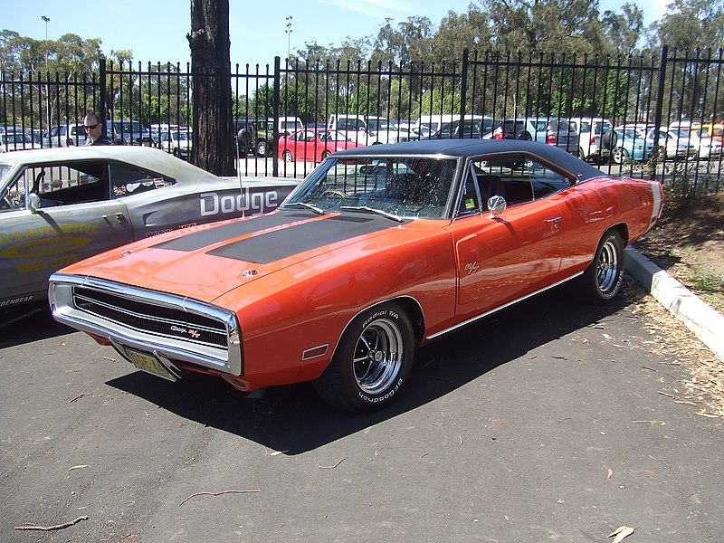 800px-1970_Dodge_Charger_R-T_%2815861517