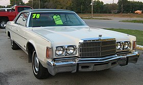 1978 Chrysler Newport 4-door hardtop f.jpg