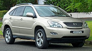 2004-2005 Lexus RX 330 (MCU38R) Sports Luxury wagon (2011-04-02) 01.jpg