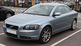 2006 Volvo C70 SE LUX T5 Automatic 2.5 Front.jpg