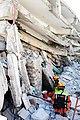2010년 중앙119구조단 아이티 지진 국제출동100118 중앙은행 수색재개 및 기숙사 수색활동 (237).jpg