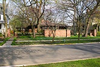 Edwin H. Cheney House - Image: 2010 04 10 3000x 2000 oakpark edwin h cheney house