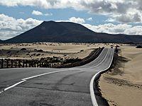 2010-12-25 Spain Fuerteventura asphalt sand.JPG