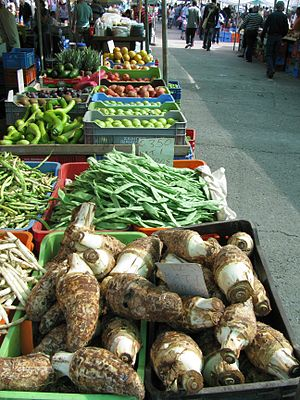 Cypriot cuisine - Wednesday vegetable market in Nicosia