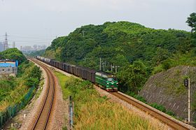 201607 A freight train near Banshan.jpg