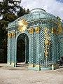 2018.Gitterpavillon verziert mit vergoldeten Sonnen und Instrumenten(1775)-Sanssouci-Steffen Heilfort.JPG