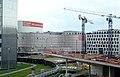 2019-05-24, Kö-Bogen II Baustelle mit Schauspielhaus fotografiert von Breuninger, links das Dreischeibenhaus.jpg
