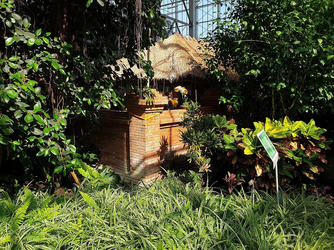 File:20190407 143436 Balinesischer Garten; Gärten der Welt ...