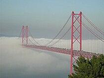 25 de Abril Bridge 2007.jpg