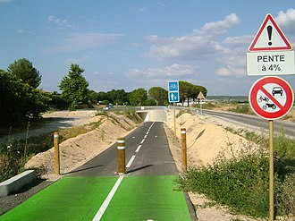 Calvisson - The 'Voie Verte' cycleway from Congénies as it passes under the D40.