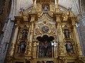46 Tamara de Campos Iglesia San Hipolito Retablo Santo Cristo ni.JPG