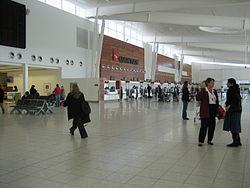 Adelaide Airport - Wikipedia