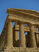 Agrigento-Temple-of-Concord-flickr-2.jpg
