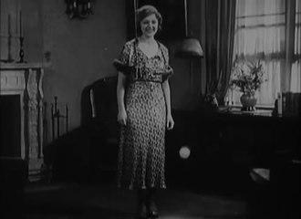 Dosiero: Ain't She Sweet (1933). ŭebm