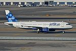 Airbus A320-232 'N634JB' jetBlue (30086898153).jpg