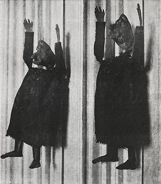 Alfred Jarry - Alfred Jarry, Deux aspects de la marionnette original d'Ubu Roi, premiered at the Théâtre de l'Œuvre on 10 December 1896