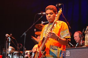 Oteil Burbridge - Burbridge performing with the Allman Brothers Band in 2007