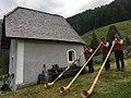 Alphornbläser aus Salzburg, Österreich.jpg