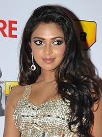 Amala Paul at 60th South Filmfare Awards 2013 (cropped).jpg