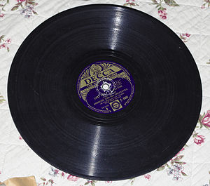 Ambrose (bandleader) - Gramophone record of Ambrose at the Embassy Club in 1934