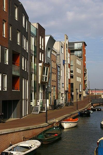 File:Amsterdam Javaeiland Lamonggracht.JPG