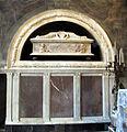Annunziata, tomba di Orlando di Guccio de' Medici, di Bernardo Rossellino, 01.JPG