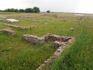 Heraclea Lucania - Foundations of building walls at Heraclea