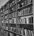 Army 560 Part of a library. Kantine en recreatieruimtes in het Nederlandse leger, Bestanddeelnr 934-9430.jpg