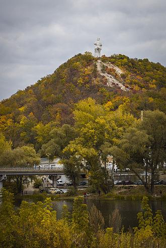 Sviatohirsk - Monument to Artem in Sviatohirsk