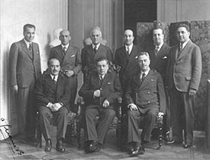 Arturo Alessandri - Arturo Alessandri (sitting in center) together with his Ministers of State, in April 1934.