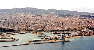 Barcelona, airport approach (27733825928).jpg