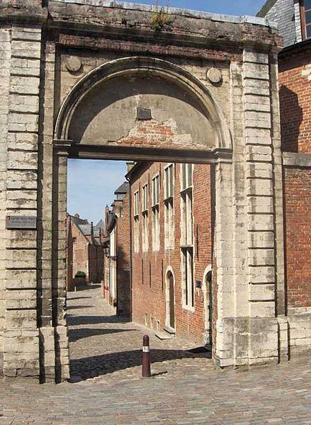 File:Begijnhofleuven2007aug1.jpg