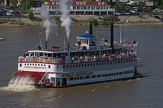 Belle of Louisville - Belle of Louisville at the start of the 2004 Great Steamboat Race