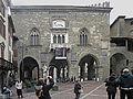 Bergamo Palazzo della Ragione facciata.jpg