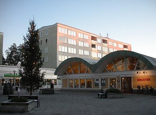 Bergshamra All 67, Bergshamra - Svenska Mklarhuset