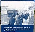 Berlin-Staaken Grenzübergang Fußgänger bei Einreise in DDR 1987 - Infostele Chronik der Mauer.JPG