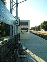 Berlin - Karlshorst - S- und Regionalbahnhof (9495719977).jpg