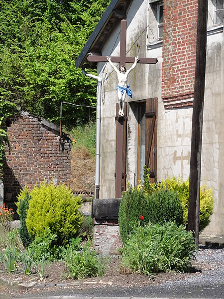 Berthenicourt (Aisne) croix de chemin