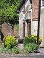 Berthenicourt (Aisne) croix de chemin.JPG